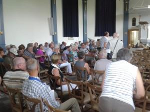 De lezing in de kerk van Drimmelen (foto Lilian Lambrechts)