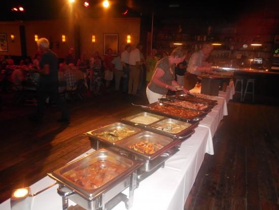 Een buffet om van te smullen (foto Martien Veekens)