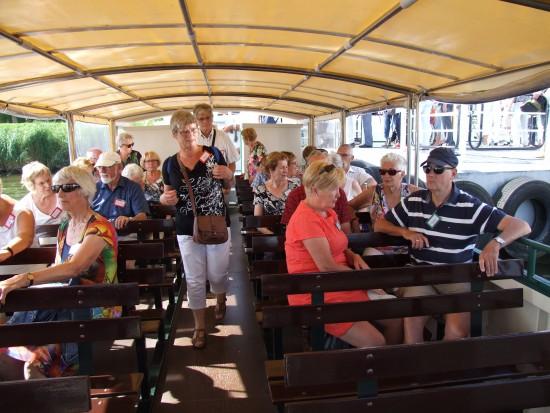 De tweede groep gaat met de boot de Biesbosch in